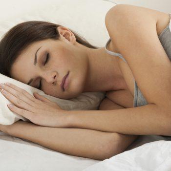 Почему нельзя спать на боку после маммопластики?
